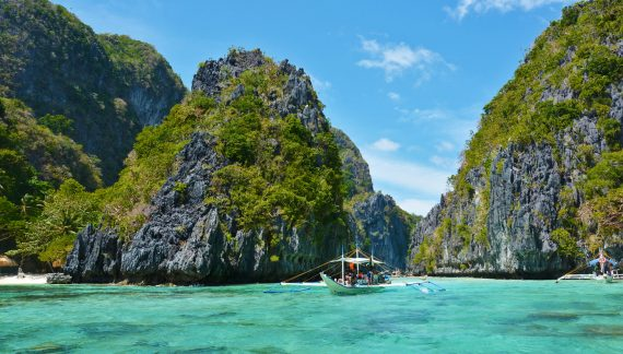 Travel Tip: Thailand's Top 10 Beach Hotels and Places to Stay on a Budget