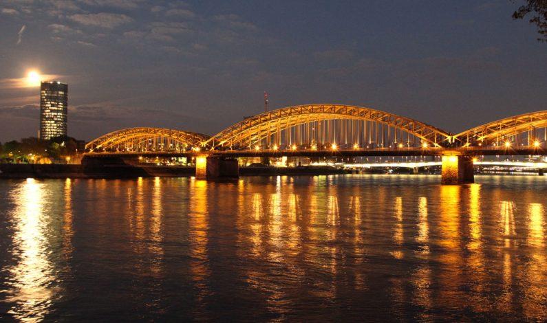 Hohenzollernbrücke in Cologne, Germany
